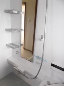 『緑ヶ丘団地 浴室内棚』の画像