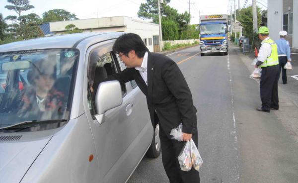 『『町長フォトニュース 秋の交通安全運動街頭キャンペーン』の画像』の画像