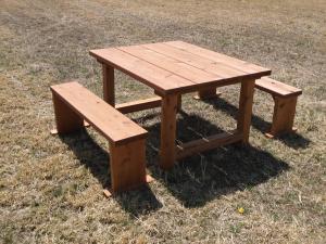 『テーブルベンチセット』の画像